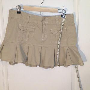 Tan ruffled skirt. Size 13/14.  Aeropostale.